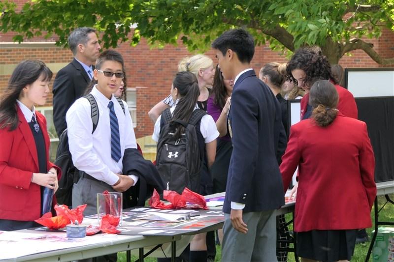 Student club fair.jpg
